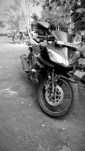 Yamaha R15 V2 black in mint condition