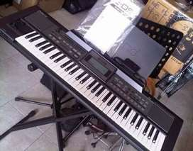 ROLAND E09 KEYBOARD with bag and stand