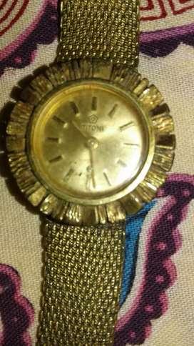 Jam tangan wanita rantai merek TITONI tipe 145/726 warna gold vintage