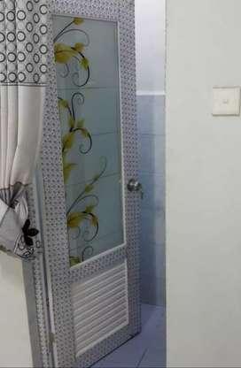 Layanan pemasangan pintu kamar mandi aluminium harga murah