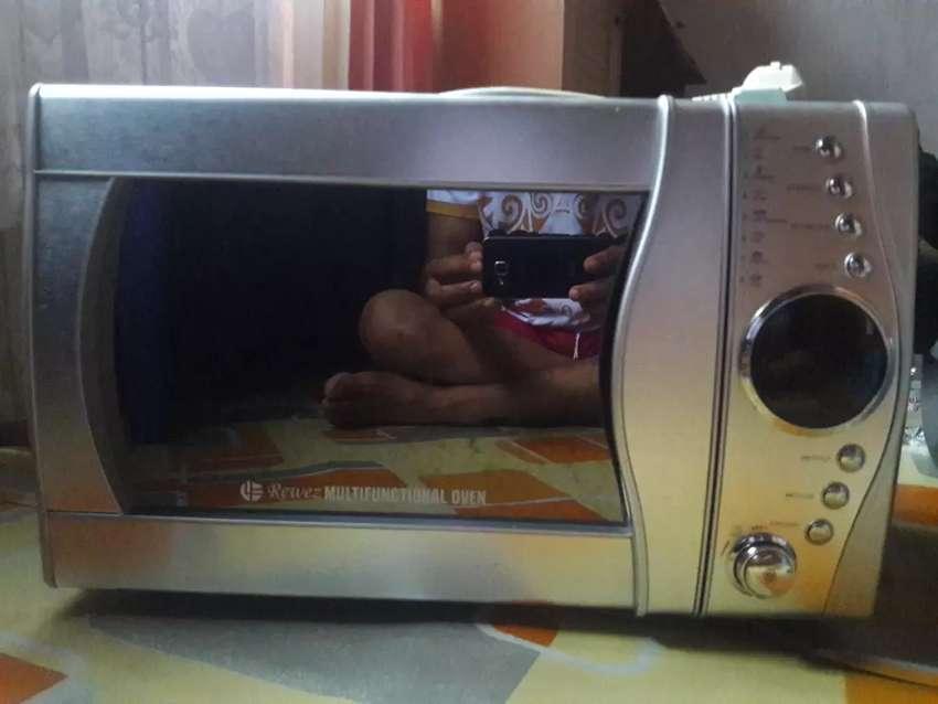 Rewez Multifunctional Oven 0
