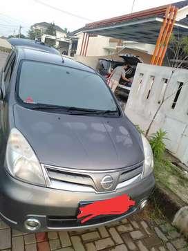 Dijual mobil livina SV 2012 milik pribadi
