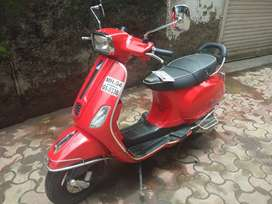 Vespa 125 S (square light)