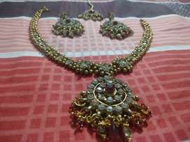 Beautiful stone work jewellery set for sell