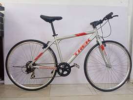 Refurbished Hybrid Trek Bicycle