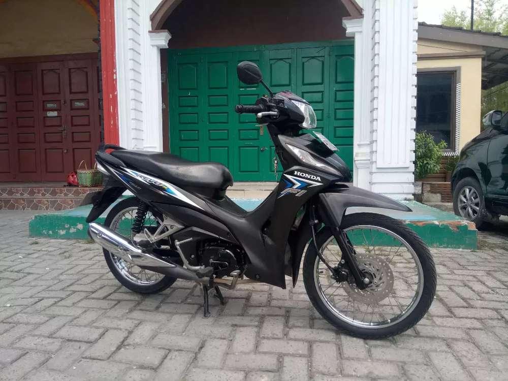 Honda Revo Fit PGM FI  Full Injection Hitam