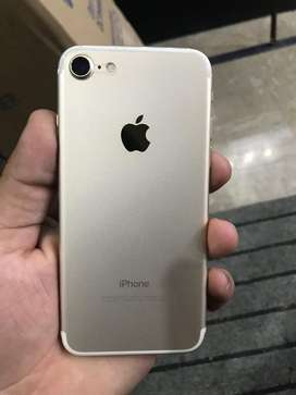 Iphone 7 gold colour 256 gb with charger