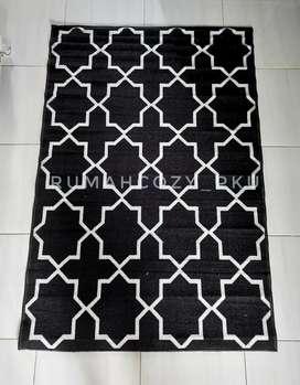Karpet sweden hitam