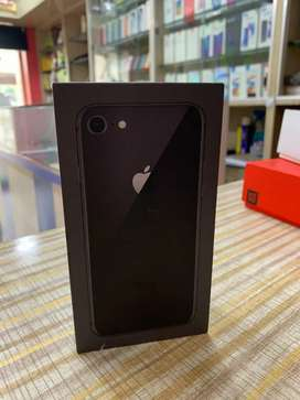 iPhone 8(64GB) Space Gray...
