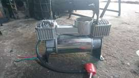 Car tyre compressor