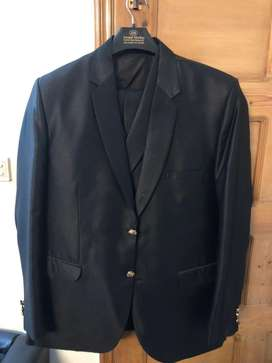 Full and final price 3piece suit black with gold buttons