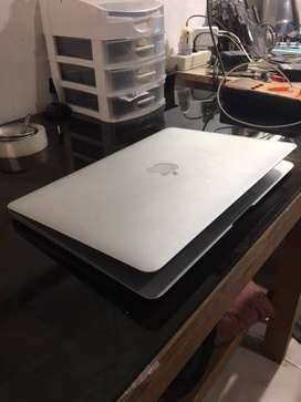 "MacBook Air 13"" early 2014 Mulus Murah Teruji"