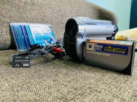 Sony HANDYCAM digital video camera recorder