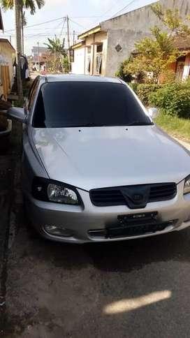 Dijual sedan hyundai Verna 2002 pribadi