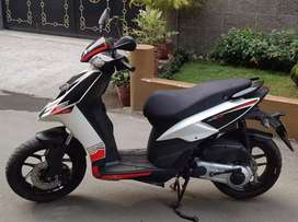 Sale Aprilia SR 150cc Bs-4 engine scooty 52k.