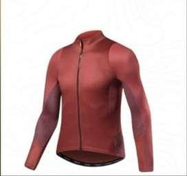 Jersey sepeda merk SANTIC warna marun