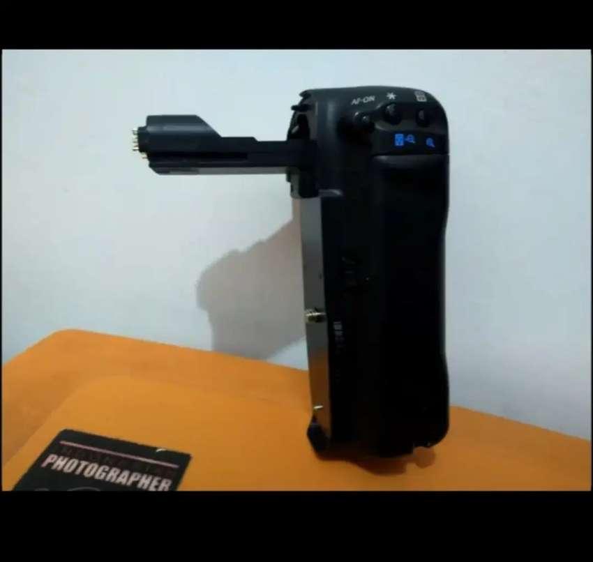 Battery Grip Meike MK 7D Untuk Canon EOS 7D | NEGO