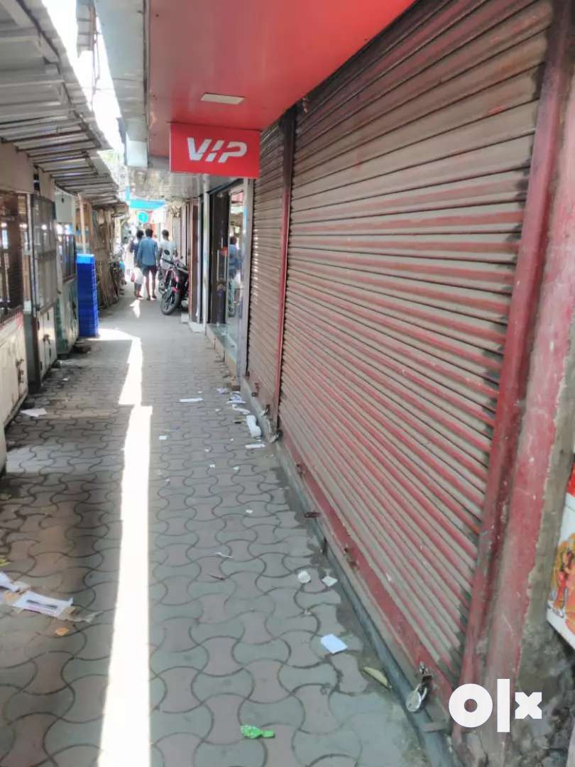 700 sqft Shop is available on rent at ultadanga main road,near station 0