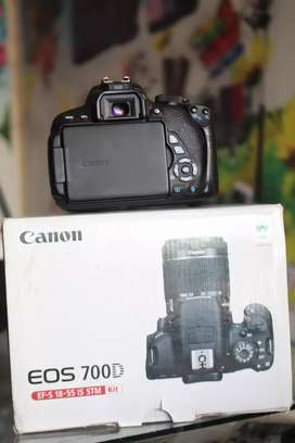 canon 700d with 18-55 lenz stm