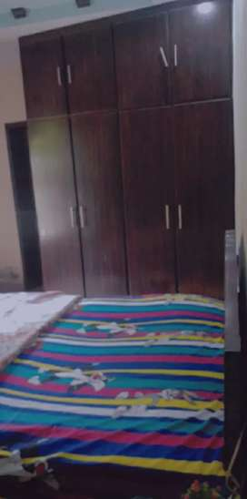 Furnished room (only for girls)