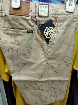 Celana pendek cowok fit 27-32
