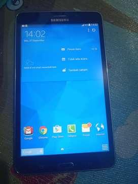 Samsung tab 4 like new mahar aja 900 bisa tuker tambah sama hp