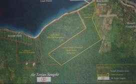 Tanah pinggir pantai pulau Moyo