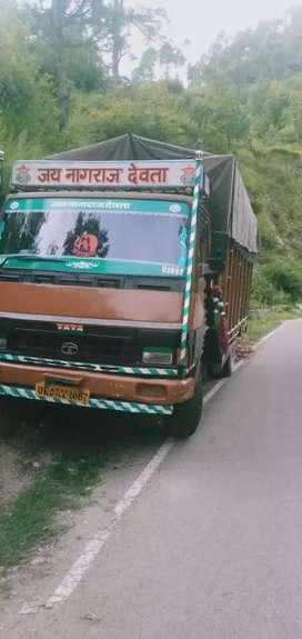 Tata truck 709 lpt 17 feeti