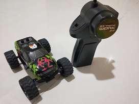 Baru, RC Monster Truck Mini 1:32, Ngebut Lincah