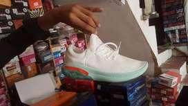 Shoe lancer