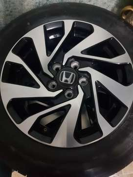 Honda civic genuine rims with tyres For sale