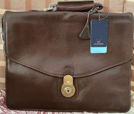 Brand new Hi-Design laptop bag