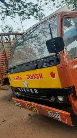 Eicher 10.90  waterTanker. Good condition.