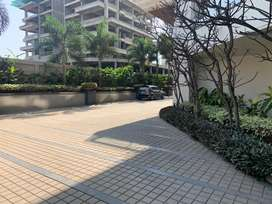 3bhk Semi Furnished flat available for outrate for 1.45 Cr.