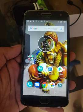 Motorola G5 plus 32gb phone excellent condition With box  and Acc