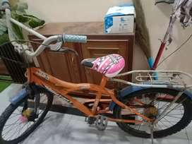 Good condition  bycicle for girls