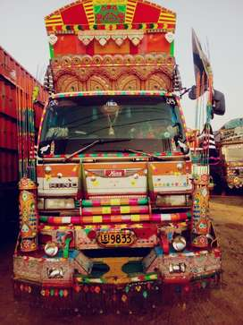 Hino HO7D 9 patti cabin peshawar body 10 wheeler Lahore-registered.
