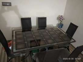 6 seater dinning table available