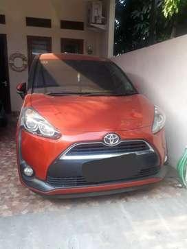 Toyota Sienta 2016 V Manual Oranye Istimewa jarang pakai