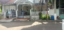 Rumah Strategis Bagus di Bulevard Hijau Harapan Indah Bekasi