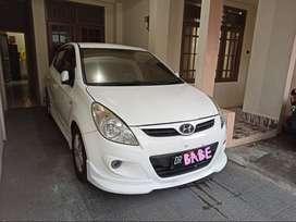 Dijual cepat hatchback hyundai i20 tahun 2010,tipe GL manual bensin