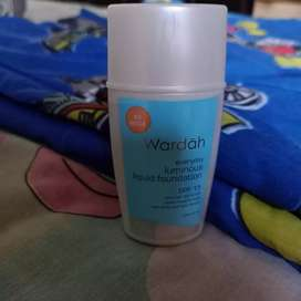 Foundie Wardah Luminous Liquid
