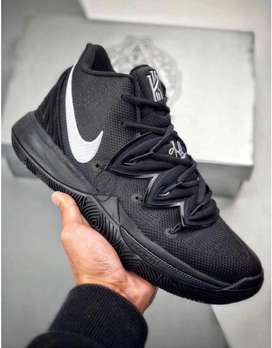 NIKE KYRIE 5 brand new shoe