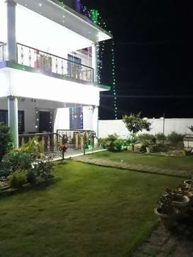 4 bhk spacious house with garden