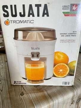 Sujata citrus juicer and cocunt scraper