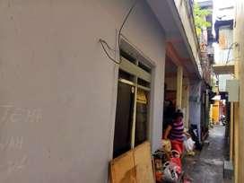 Dijual 2 rumah di menteng cocok untuk kost-kostan atau kontrakan