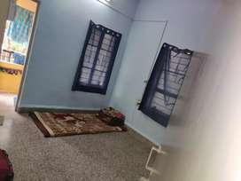 1 female roommate require urgently