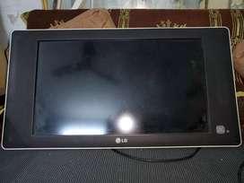 LCD LG TV 32 INCH
