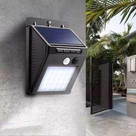 Lampu taman dinding tenaga surya