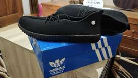 sepatu adidas hitam ukuran 41